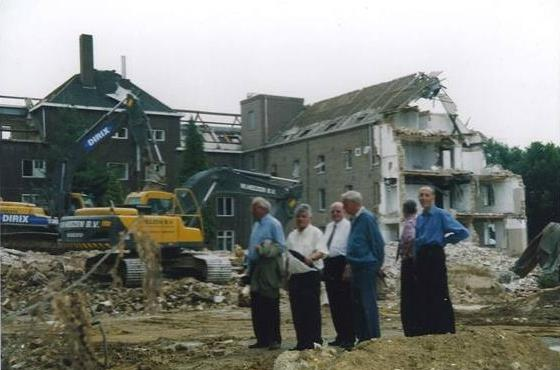 … dan door de afbraak van Ste Marie in Schimmert die – jawel, echt – op 1 april 2003 begon?
