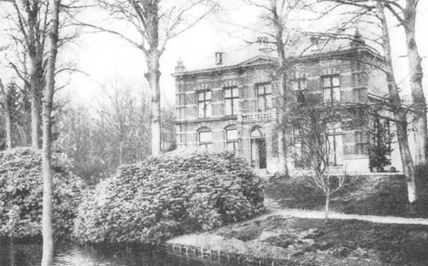 Foto van Beresteyn van een site met oude ansichten van Voorschoten.