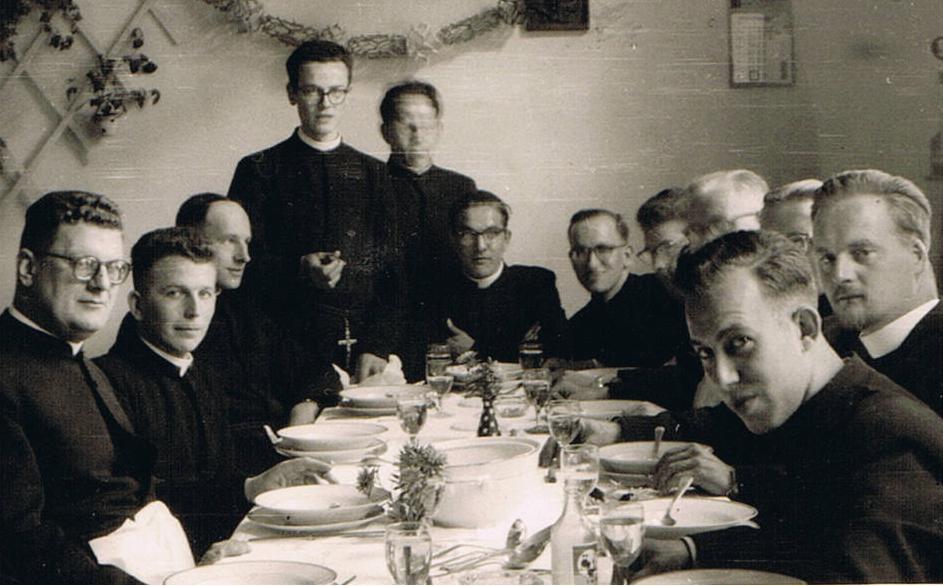 Pater Bokeloh, br. Aloysius, br. Leo, br. Benedictus, br. Bernardinus, br. Amandus, br. Pius, br. Grignion, br. Bernardus, br. Cornelius, br. Pancratius, br. Theodoor.