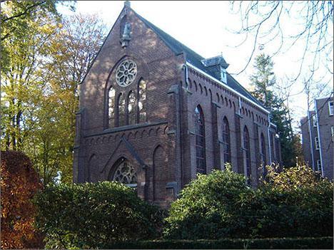 De kapel staat op de rijksmonumentenlijst [van hier]