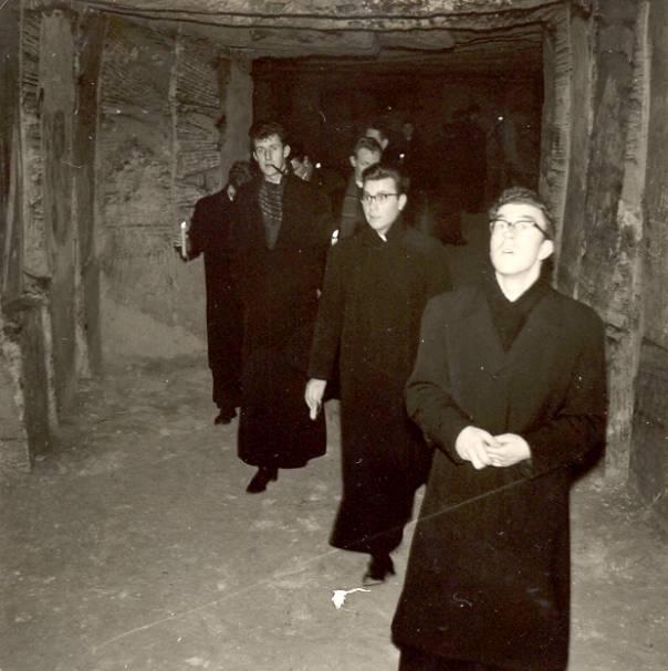 Regelmatig waren we in de grotten te Geulhem te vinden, zoals hier op 7 januari 1963