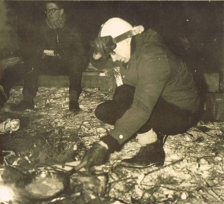 Kampvuur op de Paterskuil op 12 januari 1968