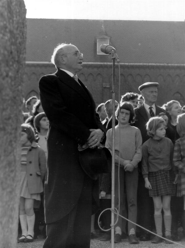 712 55 Voorzitter Harmonie P.den Ouden 1962.TIF